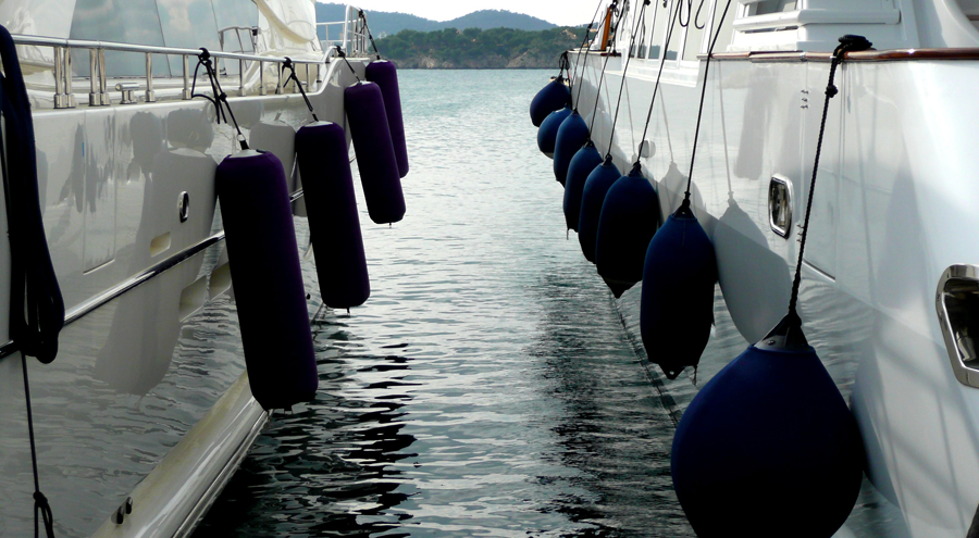 inflatable fenders for luxury yachts